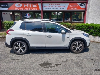 <strong>PEUGEOT 2008</strong><br/>1.2 PureTech 130ch S&S BVM6 Crossway