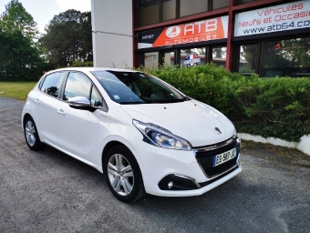 <strong>PEUGEOT 208</strong><br/>1.2 PureTech 82ch BVM5 Style