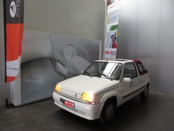 <strong>RENAULT SUPER 5</strong><br/>belle ile