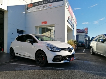 <strong>RENAULT CLIO</strong><br/>IV 1.6 Turbo 200 RS EDC