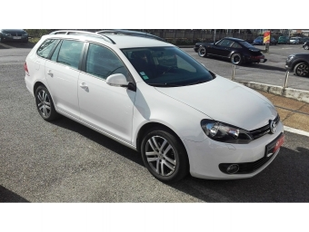 <strong>VOLKSWAGEN GOLF SW</strong><br/>1.6 TDI 105ch BlueMotion FAP Confortline Business