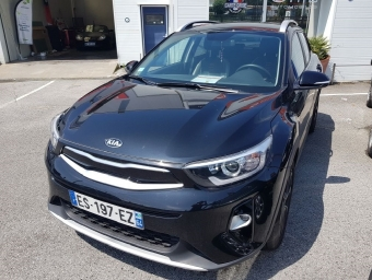 <strong>KIA STONIC</strong><br/>1.0 T-GDI 120ch ISG Launch Edition Business (2017A)