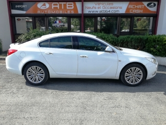 <strong>OPEL INSIGNIA</strong><br/>2.0 CDTI ecoFLEX 130ch Cosmo Start&Stop 5p