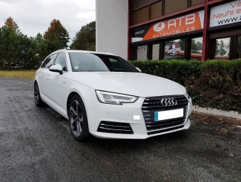 <strong>AUDI A4</strong><br/>Avant 2.0 TDI 150 S line
