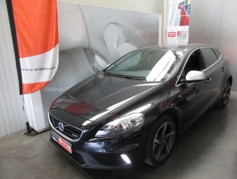 <strong>VOLVO V40</strong><br/>D4 190 R-Design Geartronic A