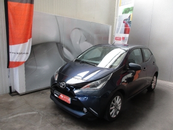<strong>TOYOTA AYGO</strong><br/>1.0 VVT-i x-play