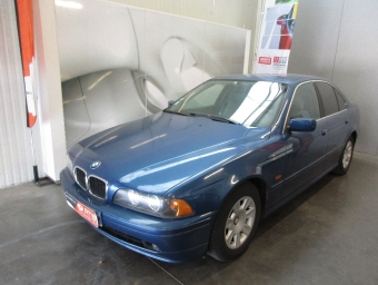 <strong>BMW SERIE 5</strong><br/>520d Pack