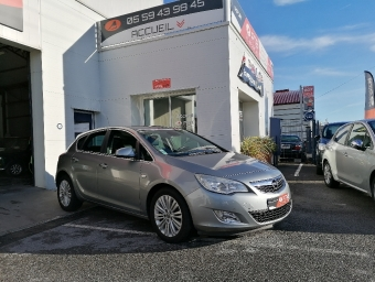 <strong>OPEL ASTRA</strong><br/>1.7 CDTI 110 ch FAP Cosmo