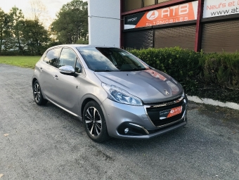 <strong>PEUGEOT 208</strong><br/>PureTech 82ch S&S BVM5 Tech Edition
