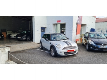 <strong>MINI MINI</strong><br/>D 112 ch Cooper Pack Chili