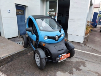 <strong>RENAULT TWIZY</strong><br/>Life