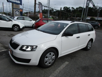 <strong>SKODA OCTAVIA BREAK</strong><br/>1.6 TDI 110ch CR FAP Green Tec Active (2015A)