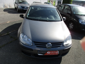 <strong>VOLKSWAGEN GOLF</strong><br/>1.9 TDI 90ch Trend 5p (2005A)