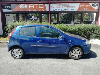 <strong>FIAT PUNTO</strong><br/>1.2 8v 60ch Active 3p (2004A)