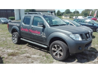 <strong>NISSAN NAVARA</strong><br/>2.5 dCi 190ch Double-Cab LE BVA (2012A)
