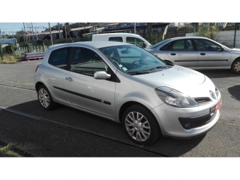 <strong>RENAULT CLIO</strong><br/>1.4 16v 98ch Privilège 3p (2006A)