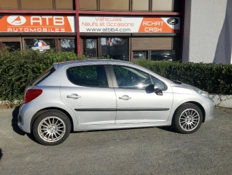 <strong>PEUGEOT 207</strong><br/>1.6 HDi110 Premium FAP 5p (2007A)