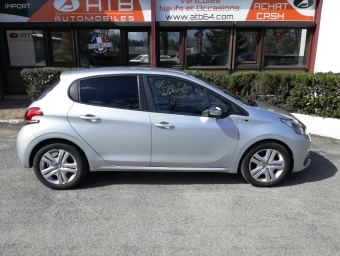 <strong>PEUGEOT 208</strong><br/>1.6 BlueHDi 100ch Style 5p (2016A)