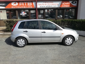 <strong>FORD FIESTA</strong><br/>1.4 TDCi 68ch Ambiente 5p (2004A)