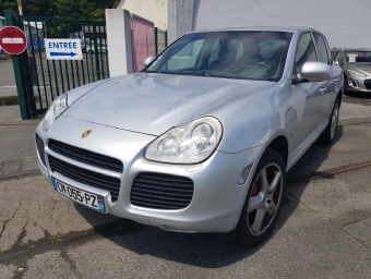 <strong>PORSCHE CAYENNE</strong><br/>Turbo (2005A)