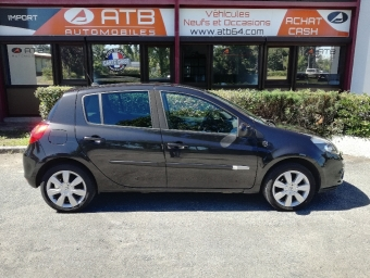 <strong>RENAULT CLIO</strong><br/>1.5 dCi 90ch XV de France eco² 5p