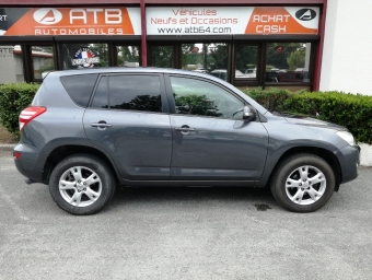 <strong>TOYOTA RAV4</strong><br/>150 D-4D Life 4WD (2009A)