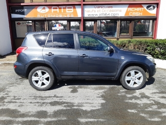 <strong>TOYOTA RAV4</strong><br/>177 D-4D Clean Power