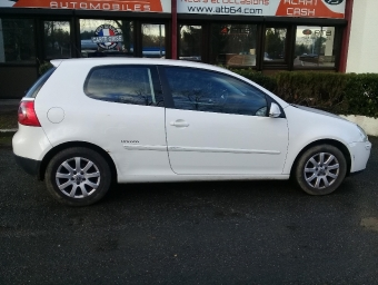 <strong>VOLKSWAGEN GOLF V</strong><br/>1.9 TDI 90ch United 3p