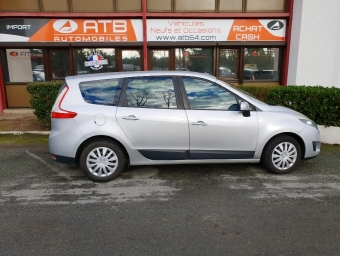 RENAULT GRAND SCENIC 1.5 dCi 105ch Carminat TomTom 7 places (2010A)