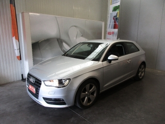 <strong>AUDI A3</strong><br/>1.6 TDI 105 Ambiente S tronic 7
