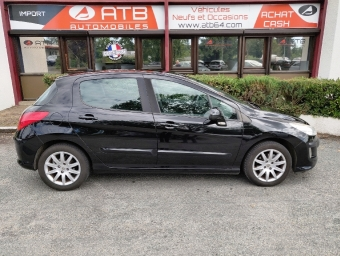 <strong>PEUGEOT 308</strong><br/>1.6 HDi 90ch BLUE LION Premium
