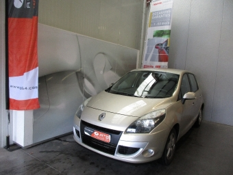 <strong>RENAULT SCENIC III</strong><br/>dCi 130 Dynamique