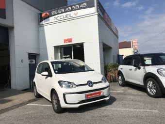 <strong>VOLKSWAGEN UP!</strong><br/>Up 1.0 60 Move Up!