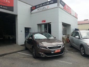 <strong>PEUGEOT 308</strong><br/>1.6 e-HDi 115ch Allure