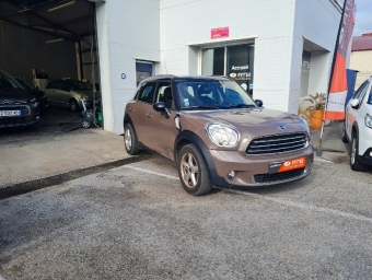 <strong>MINI COUNTRYMAN</strong><br/>Mini Countryman D 112 ch ALL4 Cooper Pack Red Hot